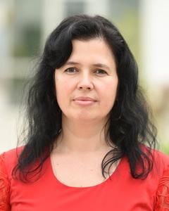 Conf. univ. dr. Camelia BĂEȘU